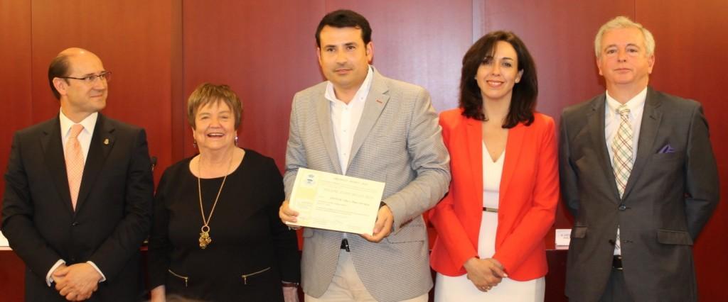 Pablo Ossorio recoge el premio Ritz en Montilla (Córdoba)